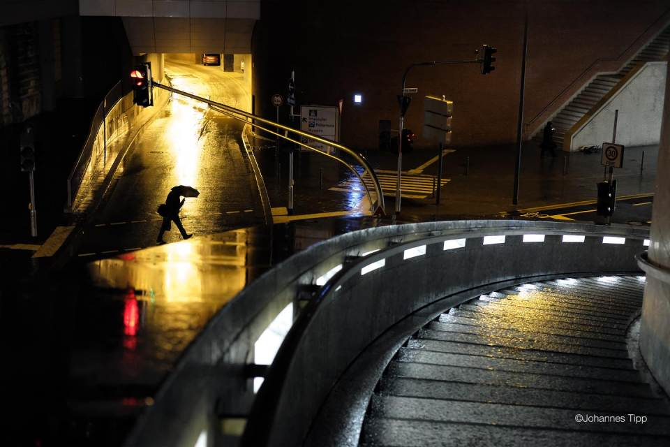 JT-Germany-Cologne-Night-Rain-Underpass-Umbrella-2017-0505-DS.JPG