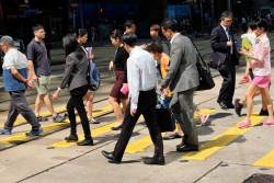 JT-China-Hong-Kong-Island-Queens-Road-Central-Pedestrian-Crossing-2017-6872-DS.JPG