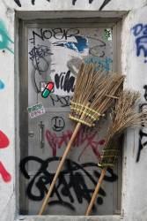 JT-China-Hong-Kong-Island-Brooms-And-Graffiti-2017-7887-DS.jpg
