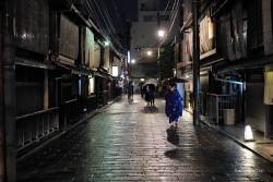 JT-Japan-Kyoto-Gion-Night-Restaurants-Alley-Rain-2019-4468-DS.jpg