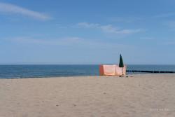 JT-Poland-Dabkowice-Beach-Empty-Windbreak-Parasol-2018-1264-DS.jpg