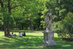 JT-Poland-Warsaw-Lazienki-Park-Sculpture-2013-9464-DS.jpg