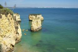 JT-Portugal-Lagos-Beach-Cliffs-Boats-2017-6351-DS.jpg