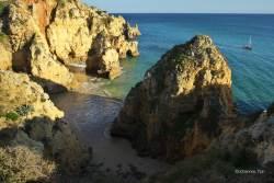 JT-Portugal-Lagos-Beach-Cliffs-Boats-2017-6424-DS.jpg